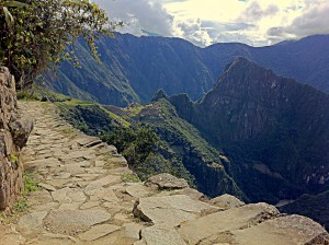 inca road above machu picchu
